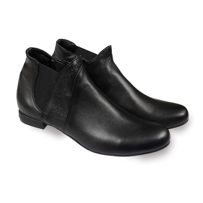 Gabi black leather ankle boots