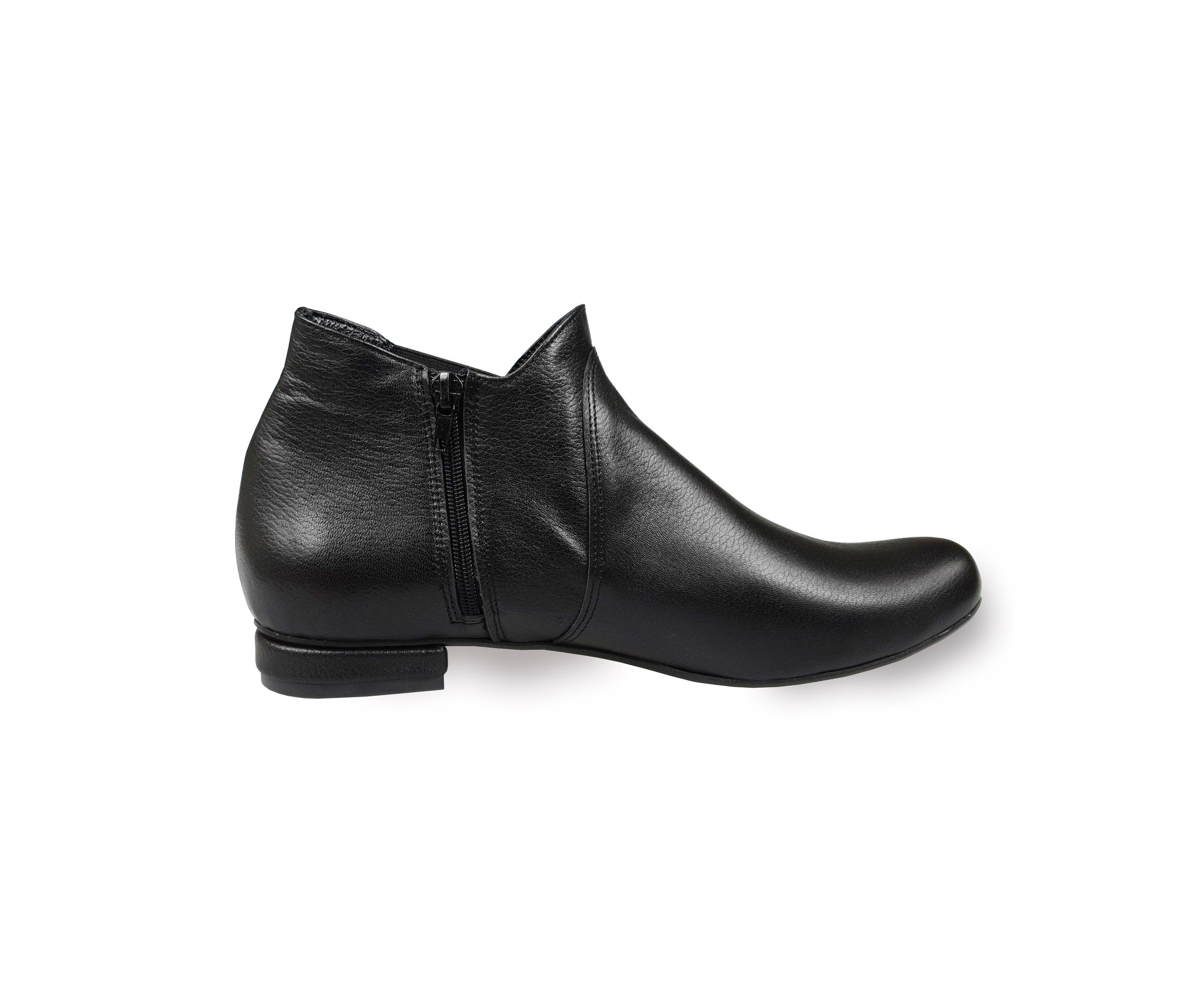 Gabi black leather ankle boots