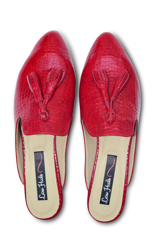 Beya pointed toe flat mule with tassels - red