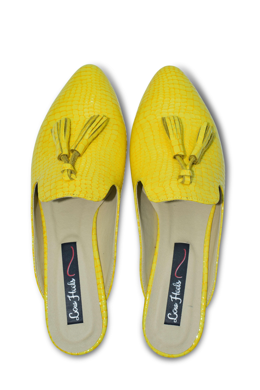 Beya pointed toe flat mule with tassels - yellow