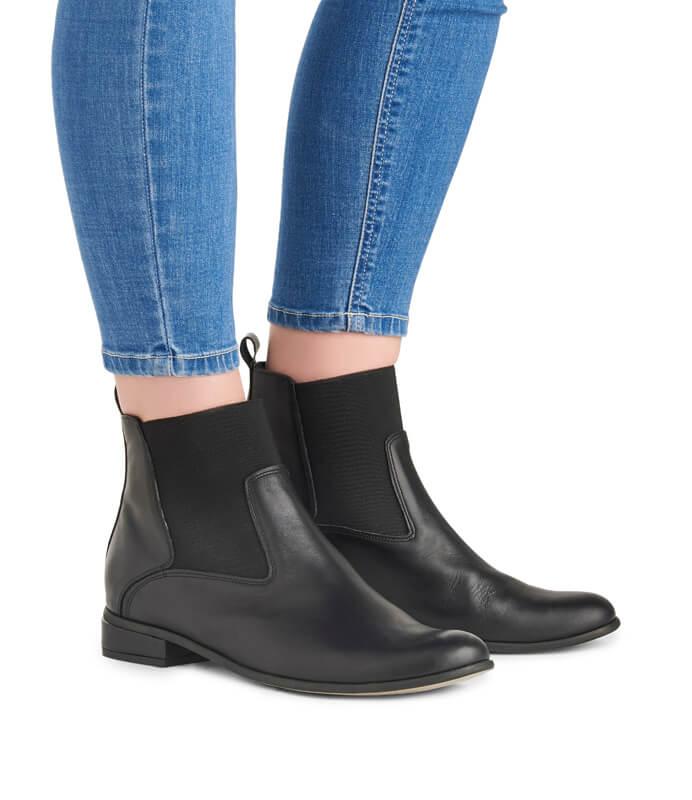 Cora black leather